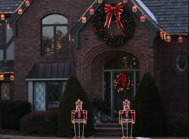 led holiday lighted wreaths nashville tn nashville outdoor lighting. Black Bedroom Furniture Sets. Home Design Ideas