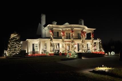 stunning outdoor column wraps and tree lighting
