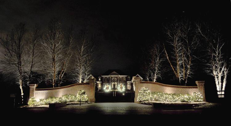 Nashville Holiday Mansion Lighting