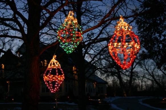 Lighting hanging tree ornaments