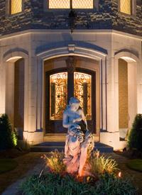 Garden and landscape lighting includes statuary lighting