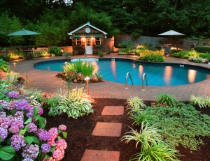 Nashville landscape lighting integrated with pool lighting
