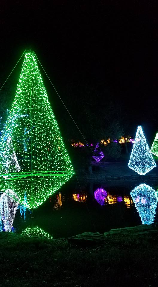 Nashville holiday outdoor lighting at Cheekwood Gardens